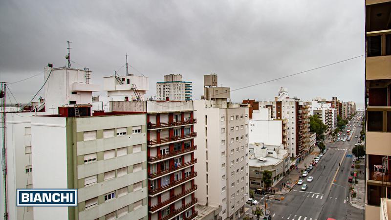 Foto Departamento en Venta en  La Perla,  Mar Del Plata  Av. Independencia 1176