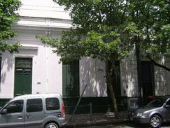 Foto Casa en Venta en  Mataderos ,  Capital Federal  Casa de época, mataderos tradicional, avenida de los Corrales al 6.500, lote de 8,66 x 34,99.