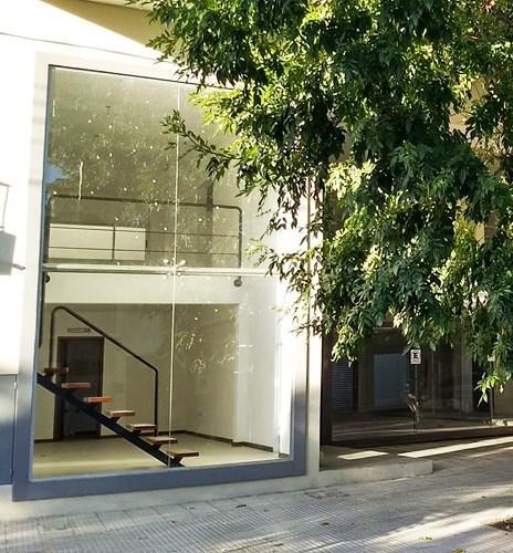 Foto Local en Alquiler en  La Plata ,  G.B.A. Zona Sur  6 entre 35 y 36
