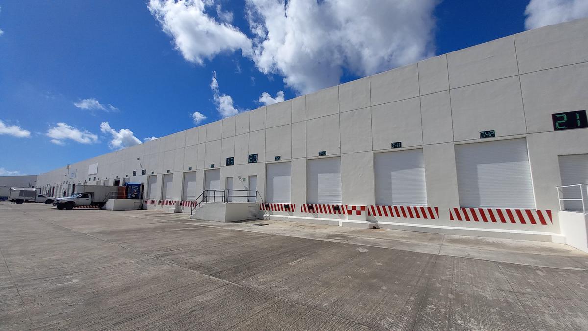 Foto Bodega Industrial en Renta en  Cancún,  Benito Juárez  Bodega Renta 600 m2 Cancún
