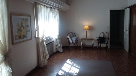Foto Casa en Venta en  Adrogue,  Almirante Brown  CANALE nº 1085, entre Macías y Pje. Estrada