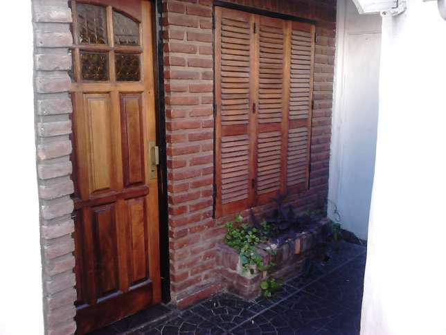 Foto Casa en Alquiler en  Ramos Mejia,  La Matanza  12 de Octubre al 300