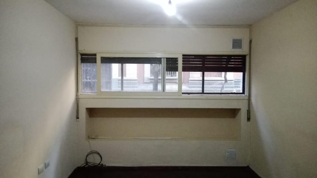 Foto Departamento en Alquiler en  Macrocentro,  Rosario  JUJUY al 1600