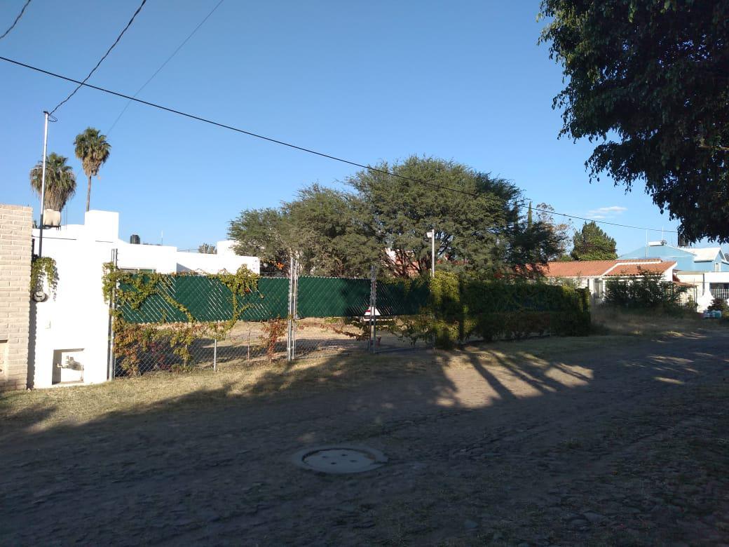 Foto Casa en Renta en  Brisas del Campo II,  León  Casa amueblada de un piso, jardín enorme