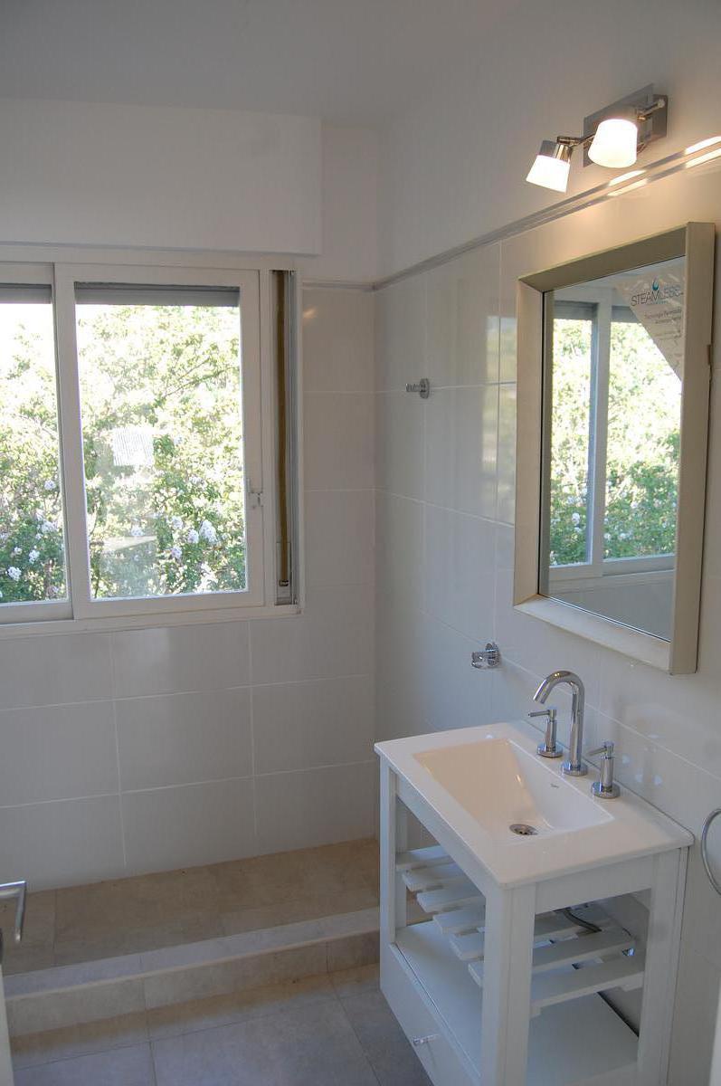 Foto Casa en Venta en  Chilavert,  Villa Ballester  Junin Nº 3000