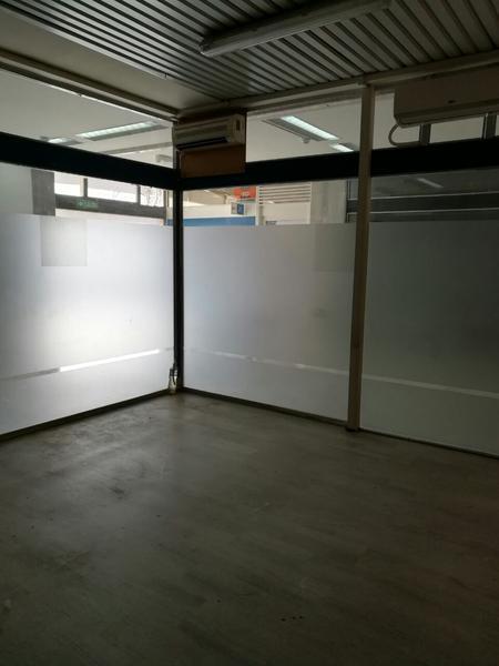 Foto Oficina en Venta en  Capital ,  Neuquen  LOCAL AV ARGENTINA al 200