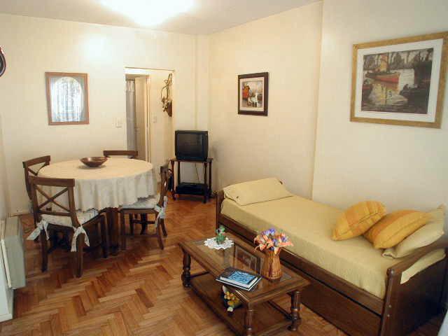 Foto Departamento en Alquiler en  Barrio Norte ,  Capital Federal  Uruguay al 900