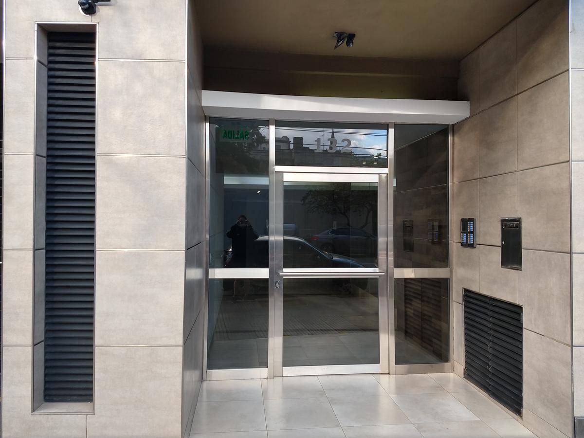 Foto Departamento en Venta en  Almagro ,  Capital Federal  Castro Barros al 100
