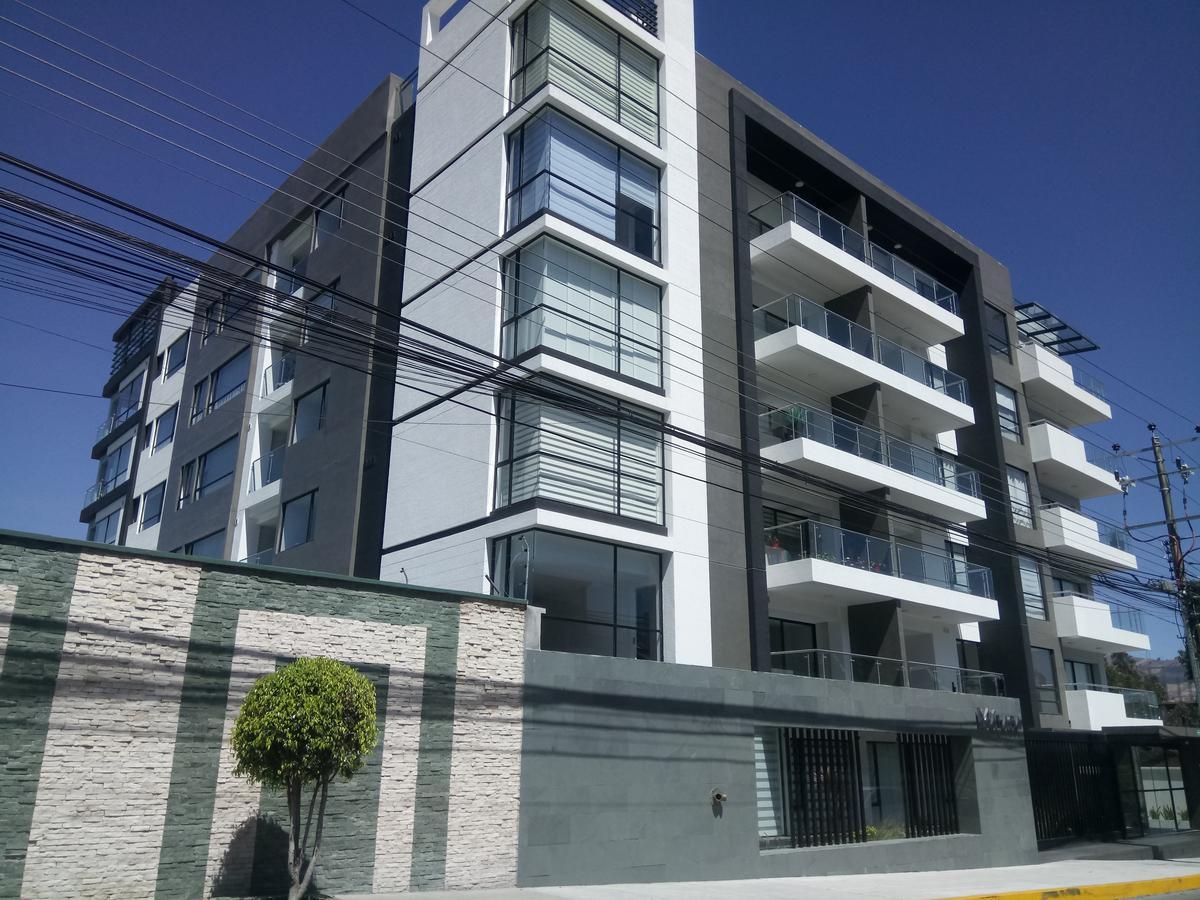 Foto Departamento en Venta en  Norte de Quito,  Quito  Hermoso departamento 2 dormitorios con balcones, Sector Supermaxi Ponciano Alto