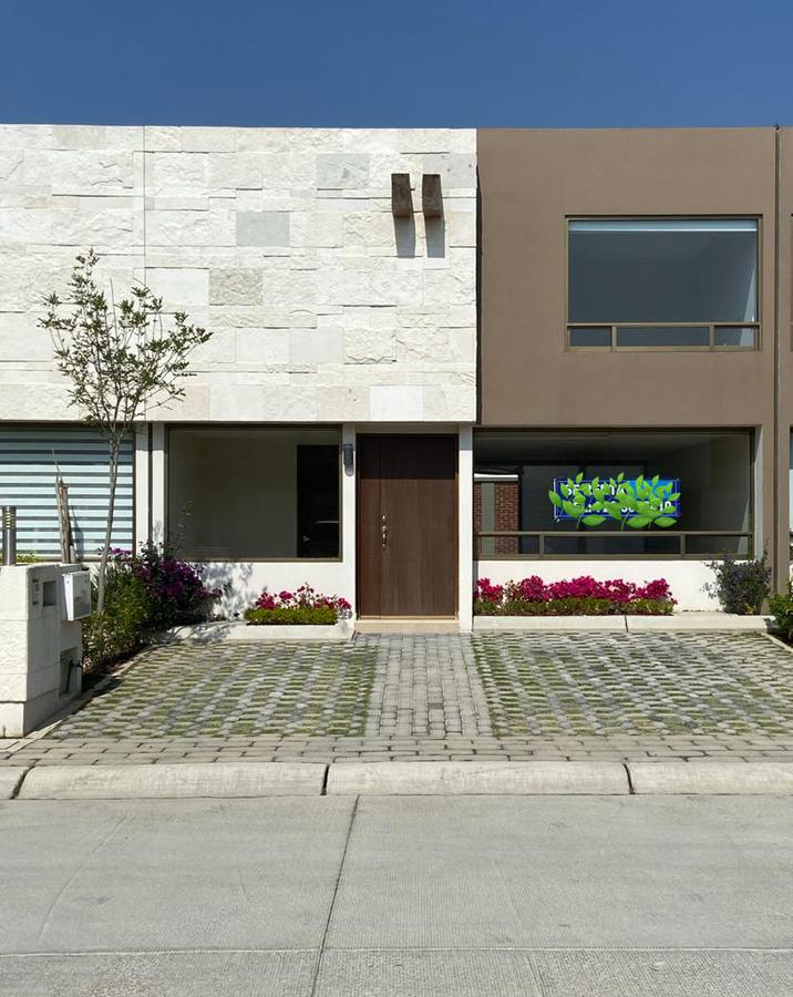 Foto Casa en Renta en  San Andrés Ocotlán,  Calimaya  Preciosa casa en Renta, dentro de Residencial Exclusivo, Calimaya.