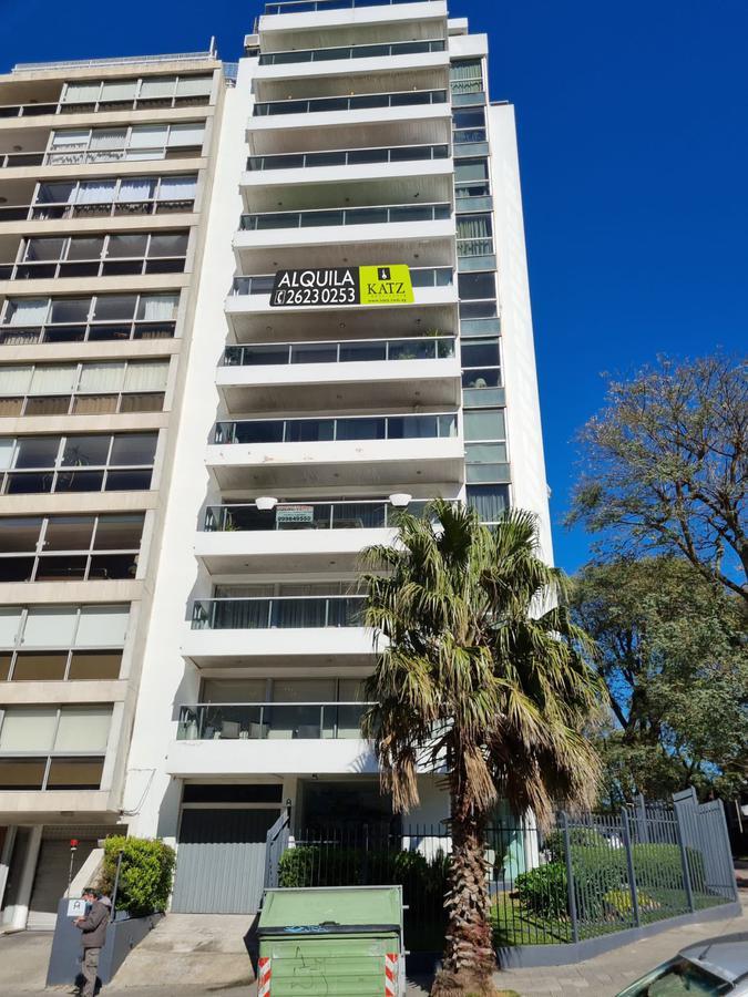 Foto Departamento en Alquiler en  Pocitos ,  Montevideo  Luis Alberto de Herrera casi rambla, gran vista!!