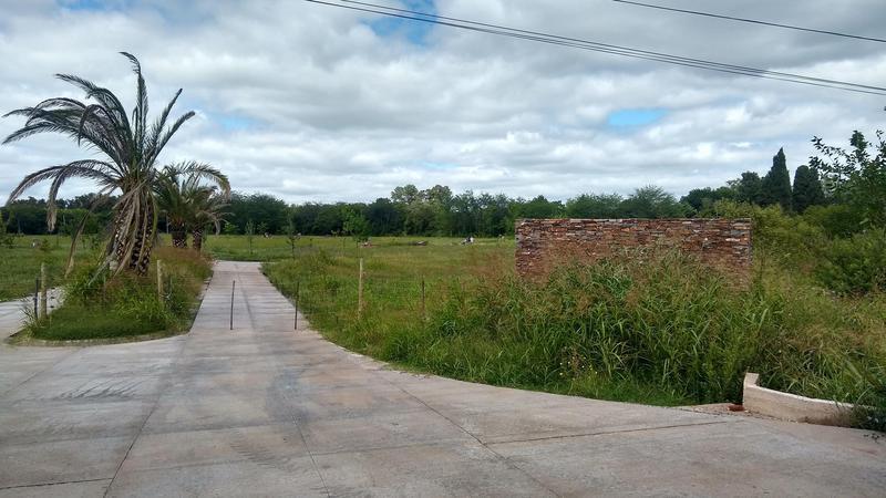 Foto Terreno en Venta en  Lujan ,  G.B.A. Zona Oeste  Ruta 7 y José María Perez -LOTE 16