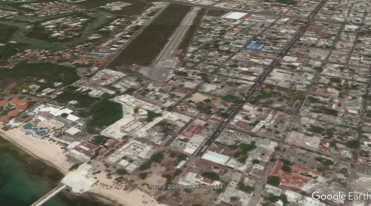 Foto Terreno en Venta en  Playa del Carmen Centro,  Solidaridad  30 AVENIDA SUR
