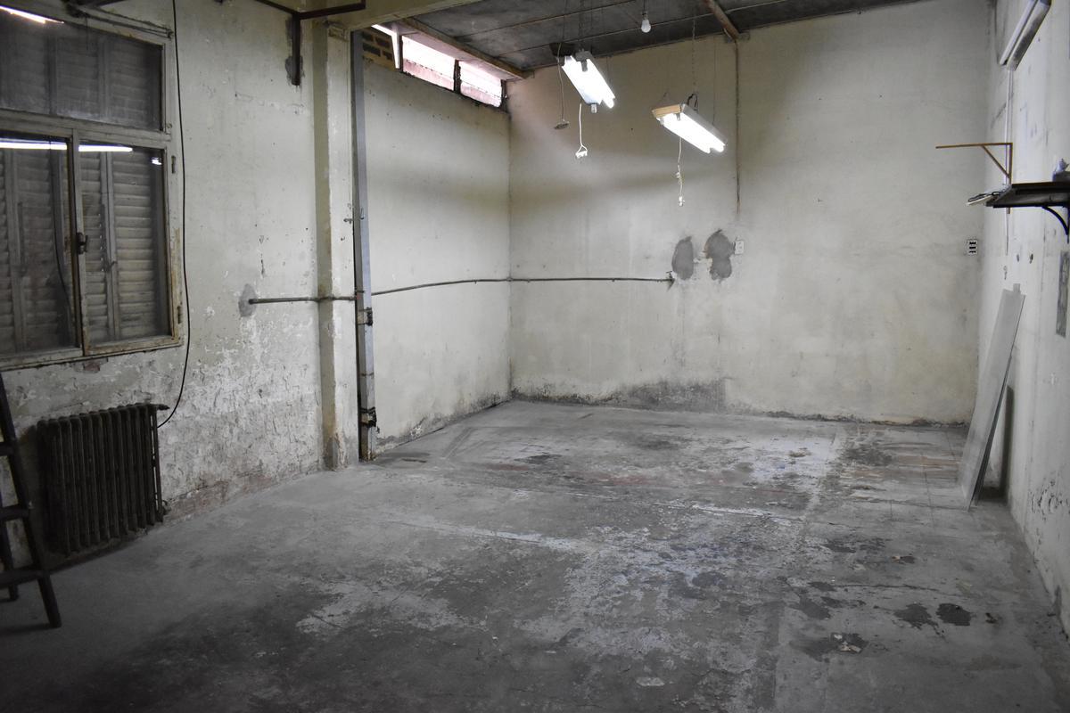 Foto Local en Venta | Alquiler en  Centro (Capital Federal) ,  Capital Federal  Parana  983