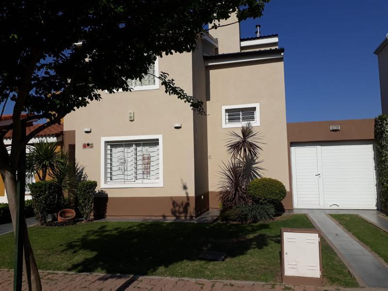 Foto Casa en Venta en  Cordoba Capital ,  Cordoba  solares de santa maria I
