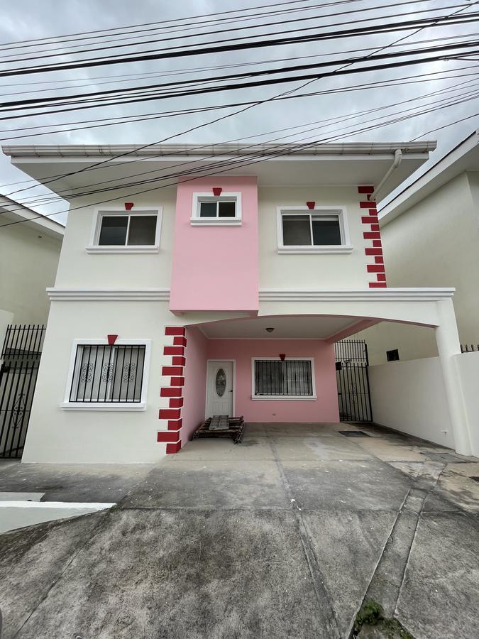 Foto Casa en Venta en  Roble Oeste,  Tegucigalpa  Hermosa Casa en Venta en Copacabana Roble Oeste, Tegucigalpa