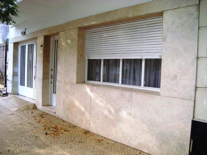 Foto Casa en Venta en  La Plata ,  G.B.A. Zona Sur   17 entre 44 y 45