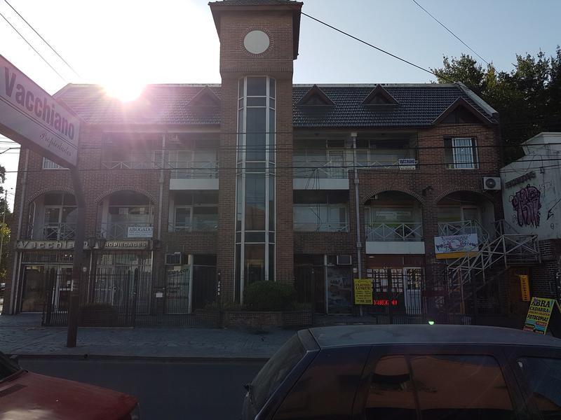 Foto Oficina en Alquiler en  Moreno,  Moreno  Oficina centrica 1er. Piso España esq. Independencia