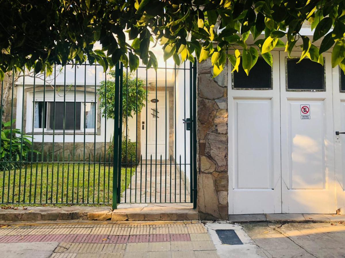 Foto Casa en Venta en  Ensenada,  Ensenada  Eva Perón N° 117