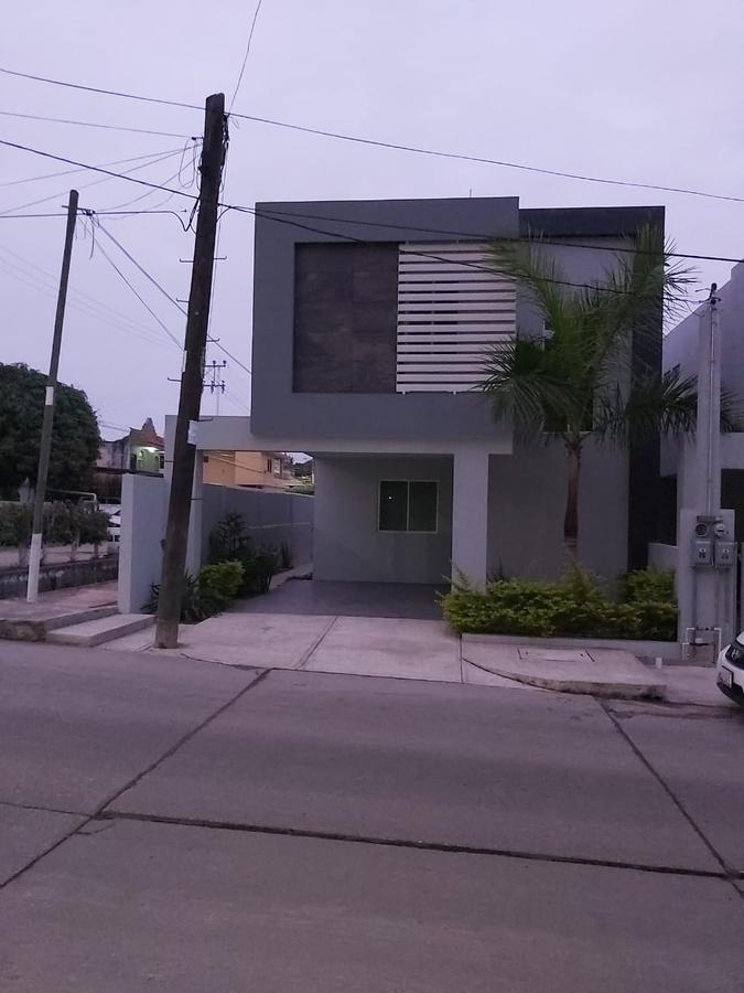 Foto Casa en Venta |  en  Arbol Grande,  Ciudad Madero  Casa en venta en Colonia Árbol Grande, Ciudad Madero, Tamaulipas