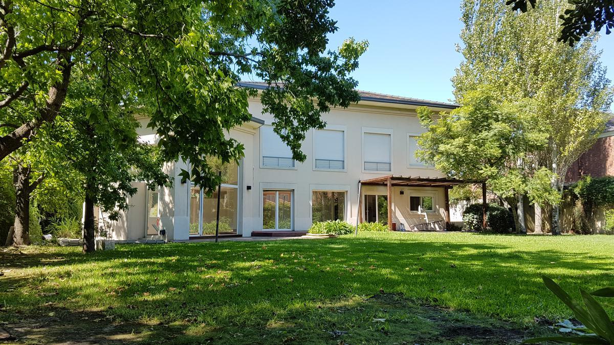 Foto Casa en Venta en  San Isidro ,  G.B.A. Zona Norte  Diego Palma al 2800