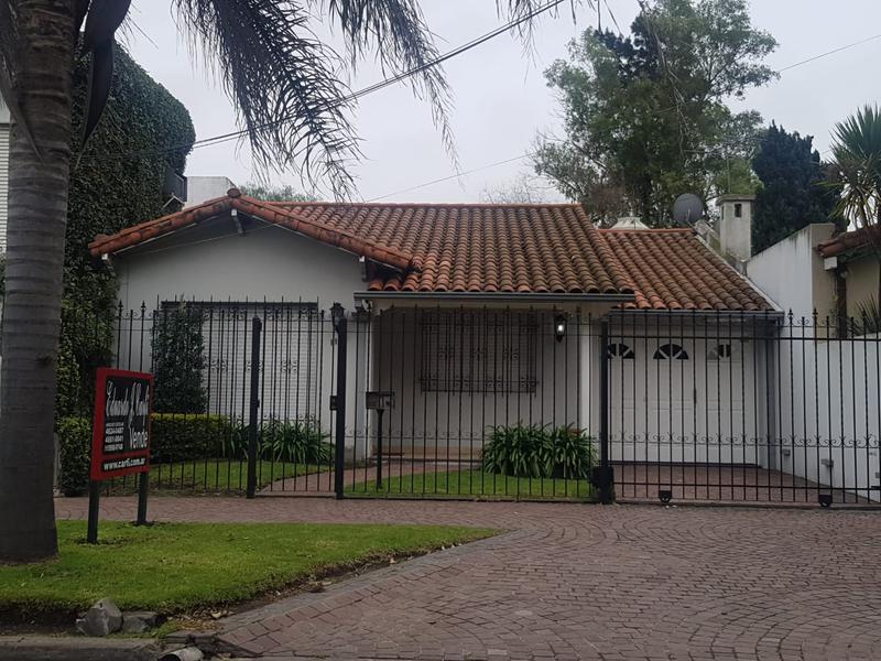 Foto Casa en Venta en  B.Ayerza,  Castelar  José Matías Zapiola al 1100