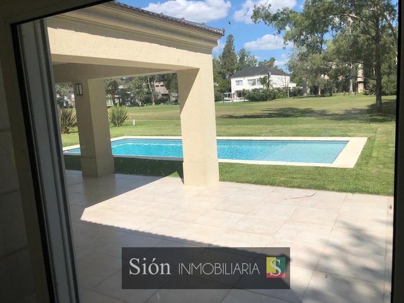 Foto Casa en Venta en  Saint Thomas,  Countries/B.Cerrado  Ruta 52/58km 6.2  Barrio Saint Thomas Este