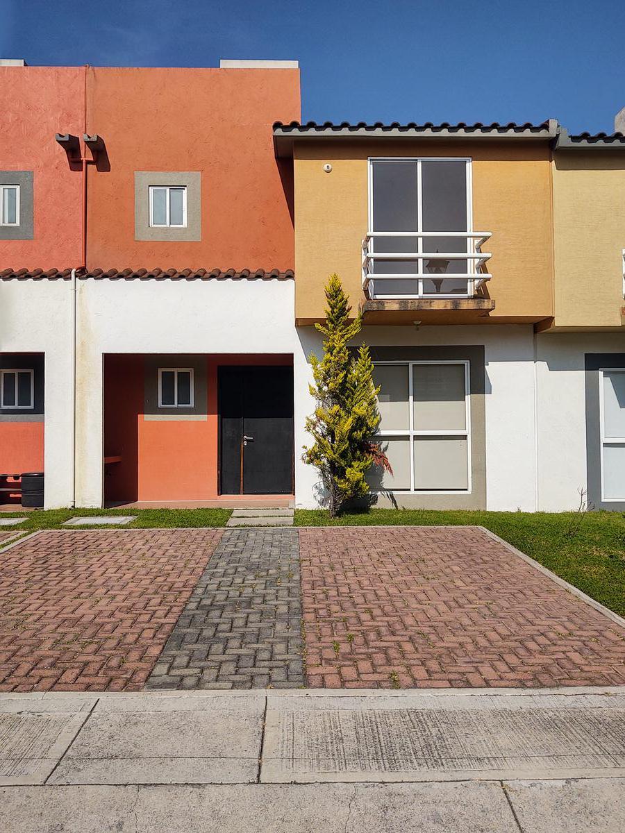 Foto Casa en condominio en Renta en  San Nicolás Tolentino,  Toluca  carretera Toluca-Naucalpan