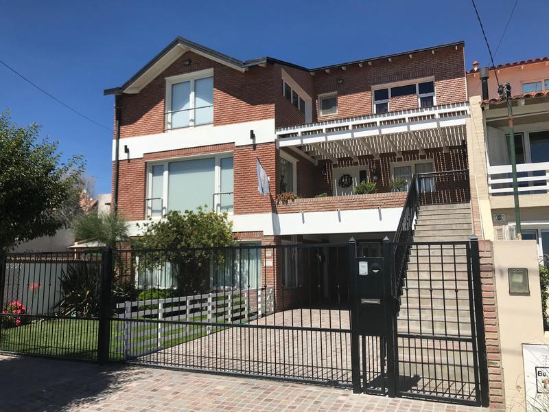 Foto Casa en Venta en  Puerto Madryn,  Biedma  BOULEVARD BROWN 1747