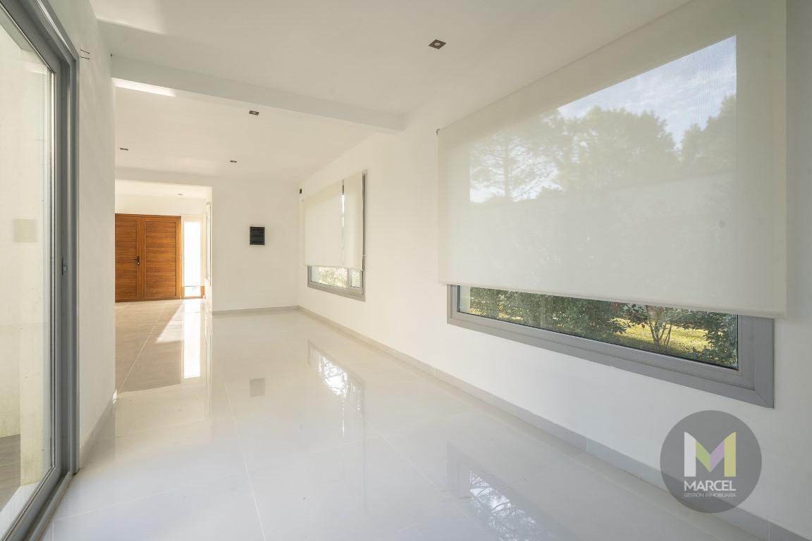 Foto Casa en Alquiler temporario en  La Herradura,  Pinamar  Del Lazo 183