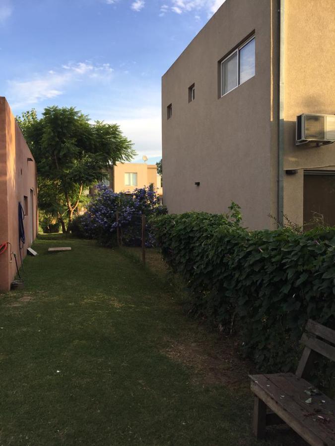 Foto Casa en Venta en  El Hornero,  Countries/B.Cerrado  El Hornero al 100.PILAR. Financia 40%