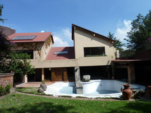 Foto Casa en Venta en  La Herradura,  Huixquilucan  LA HERRADURA CASA EN VENTA.seguridad,calle cerrada.