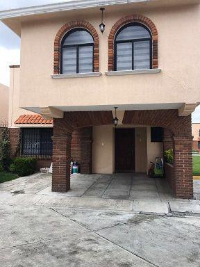 Foto Casa en condominio en Renta en  Santa Ana TlapaltitlAn,  Toluca  CASA EN RENTA EN METEPEC, FRACCIONAMIENTO CAMPESTRE SANTA ANA