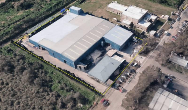 Foto Nave Industrial en Venta en  Tigre ,  G.B.A. Zona Norte  Austria Norte al 1300