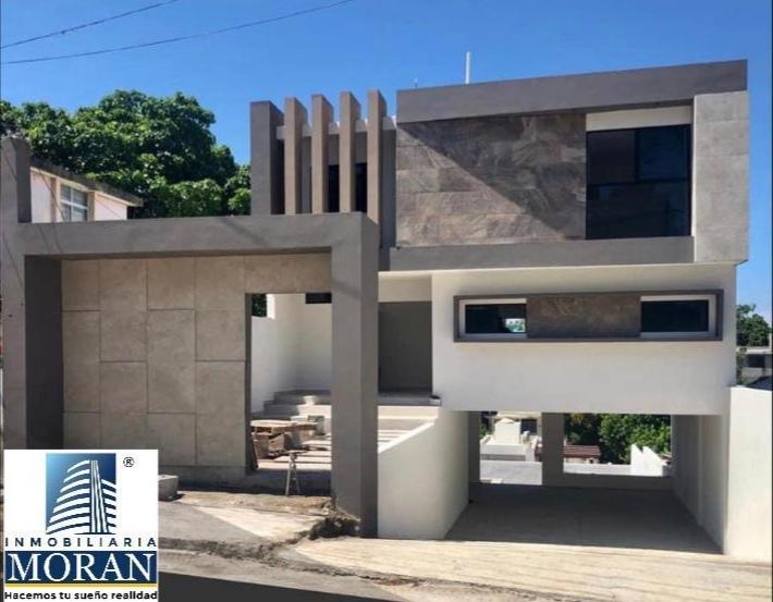 Foto Casa en Venta en  Ciudad Madero ,  Tamaulipas  Casa en Venta con jardín grande y área para alberca.