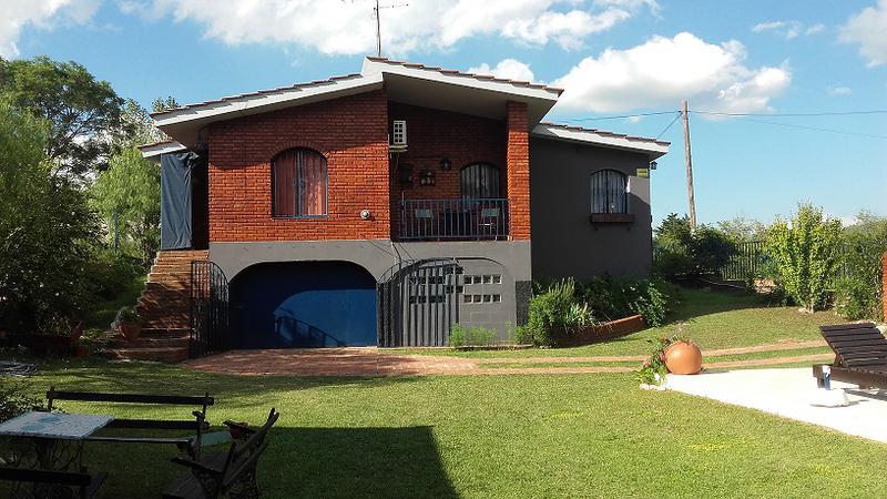 Foto Casa en Venta en  Villa Carlos Paz,  Punilla  Fleming