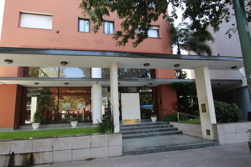 Foto Departamento en Venta |  en  S.Isi.-Centro,  San Isidro  CENTENARIO al 900