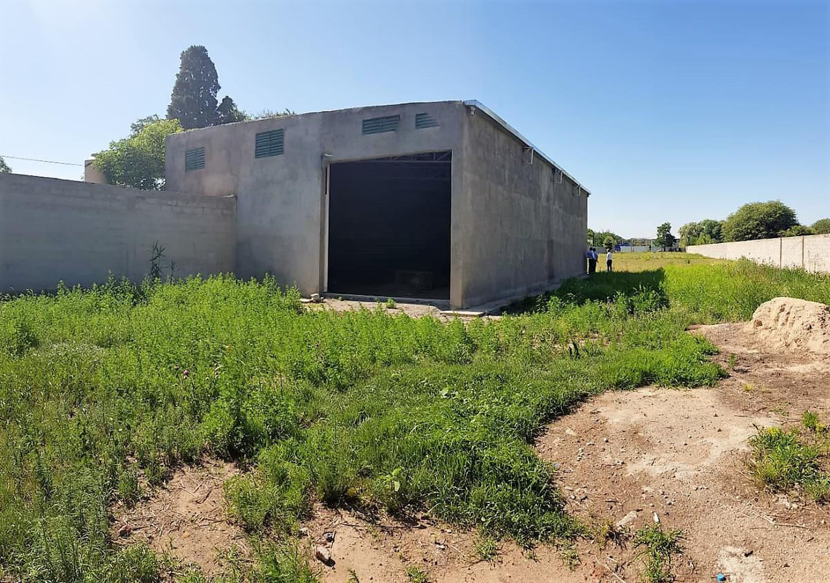 Foto Galpón en Venta en  Cordoba Capital ,  Cordoba  Camino a Capilla De Los Remedios al 6200