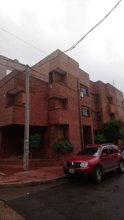 Foto Departamento en Alquiler en  Alberdi,  Cordoba  Santa Cruz al 300