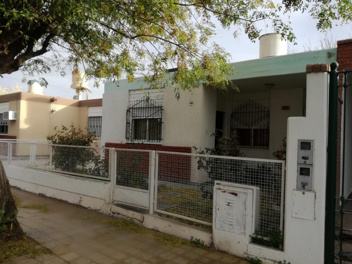 Foto Casa en Venta en  Santa Lucia,  Santa Lucia  Barrio UDAP 1