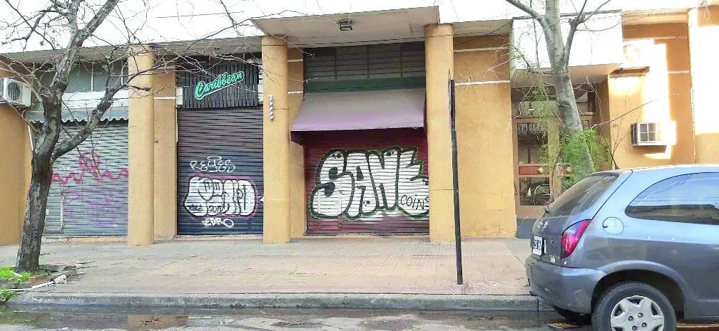 Foto Local en Venta en  La Plata,  La Plata  Local en VENTA en EXCELENTE ubicación Calle 46 entre 14 y 15
