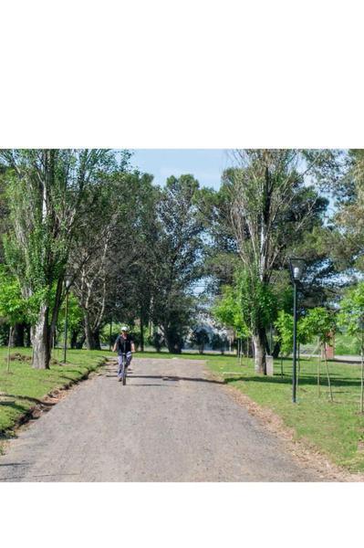Foto Terreno en Venta en  Los Hornos,  La Plata  Fincas de Duggan