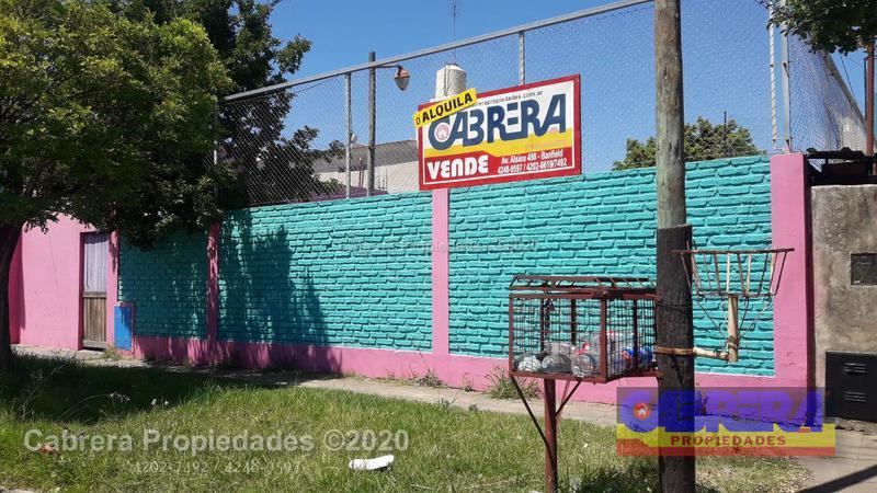 Foto Local en Venta | Alquiler en  Lanús Este,  Lanús  CORVALAN 3409