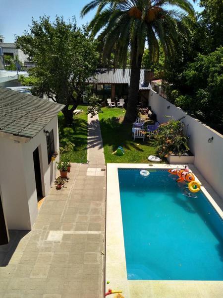 Foto Casa en Venta en  Castelar,  Moron  Castelar