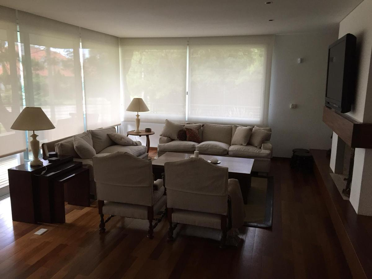 Foto Apartamento en Alquiler en  Carrasco ,  Montevideo  Con o sin muebles