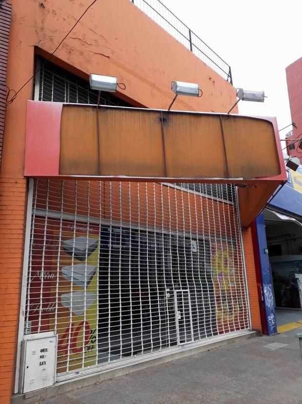 Foto Local en Alquiler en  Avellaneda ,  G.B.A. Zona Sur  Av. Mitre 1176