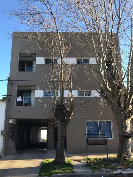 Foto Departamento en Alquiler en  La Plata ,  G.B.A. Zona Sur  119 entre 68 y 69