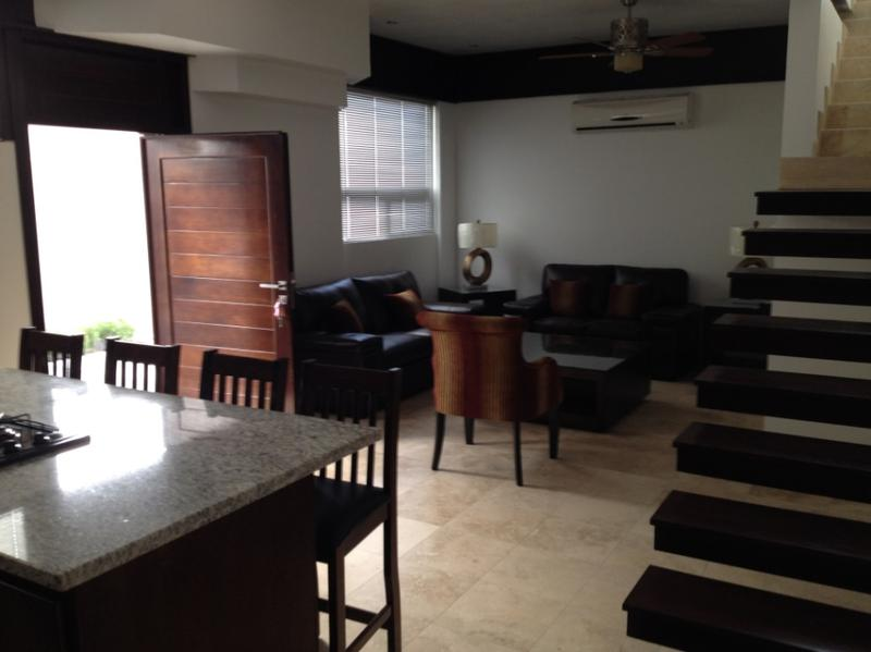 Foto Departamento en Renta en  Fraccionamiento Quintas Campestre,  Chihuahua  Par Cinco