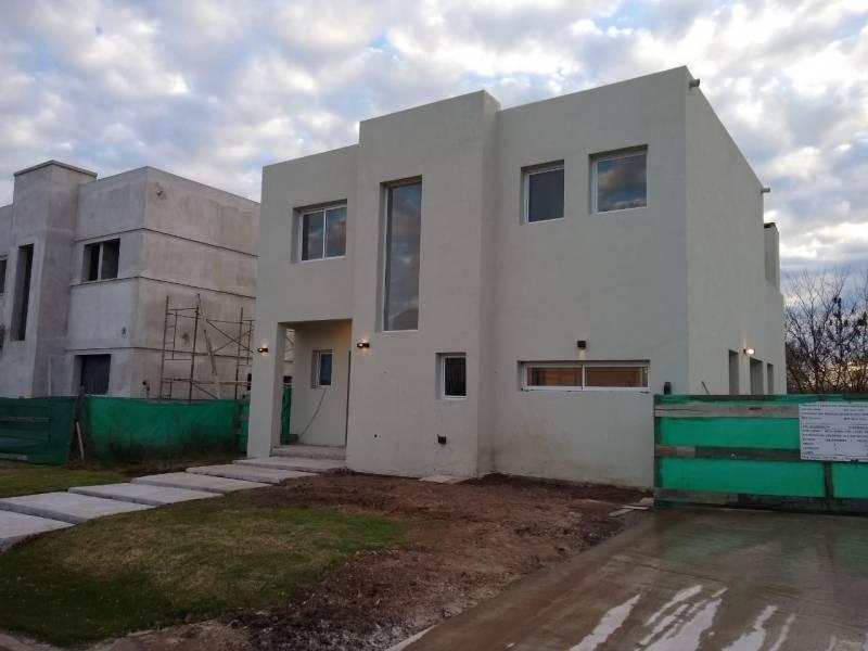 Foto Casa en Venta en  La cañada de Pilar,  Countries/B.Cerrado (Pilar)  La cañada de Pilar
