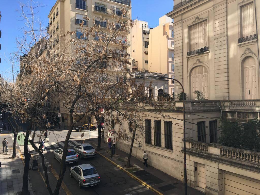 Foto Departamento en Venta en  Recoleta ,  Capital Federal  MONTEVIDEO 1800